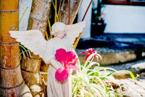 Byron Beach House - Garden Angel